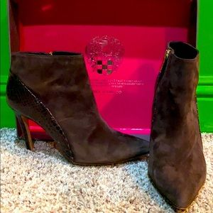 Vince Canute ankle boots. Excellent Condition!